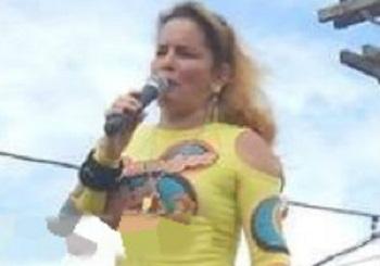 """Denise Santos Arouca, em arte: """"Denny Dellousy""""."""