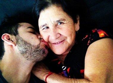 Gustavo Lima e sua m�e, que faleceu enquanto dormia na madrugada do �ltimo s�bado (19).