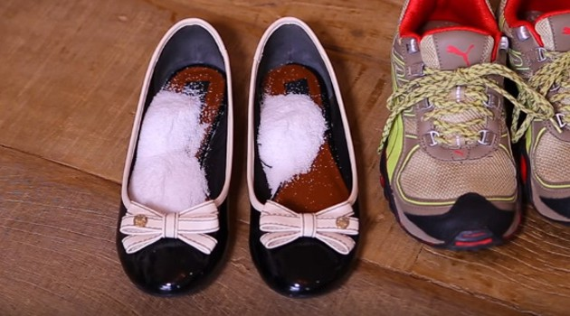 Aprenda a tirar chulé de sapatilhas