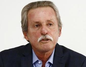 Luiz Mendon�a Filho, 64 anos, � um empreendedor nato. Natural de Cairu